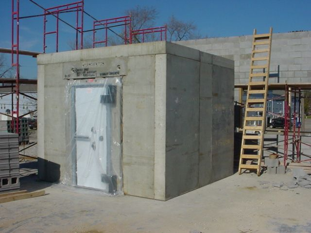 Frank zykan safe vault llc vault doors panic rooms for Safe room builders