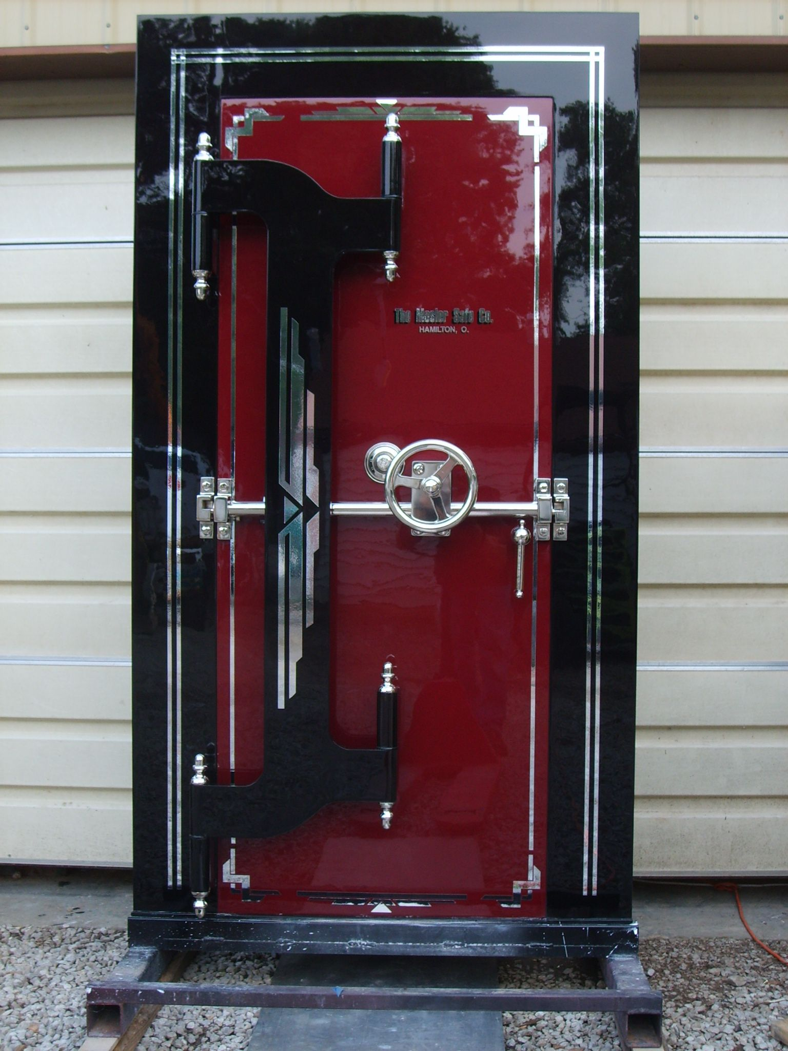 Safe doors vault doors burglary protection for Custom panic room